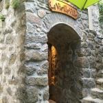 De passage à Sartene nous sommes tombé sur ce petit restaurant au charme atypique . Nous y avons