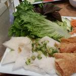 Banh Hoi Chao Tom (mermicellil patties)