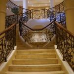 Treppenaufgang in der Halle