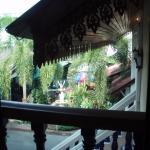 Petit balcon donnant sur le restaurant de l'hotel