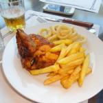 Pollo con patates y calamares tipo a la andaluza