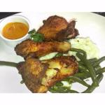 fried chicken, potatoes and green beans