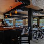 Waterfront Pub :: Amazing Views :: Heartfelt Hospitality