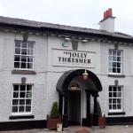 The front of The Jolly Thresher pub in Lymm (16/May/16).