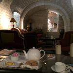Petite salle pour lire, prendre un thé, ou utiliser l'un des jeux de société à disposition.