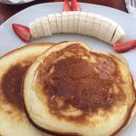 pancakes e frutta fresca
