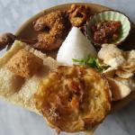 Nasi Ulam Ayam Goreng (Nasi Ulam with Traditional Fried Chicken)