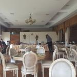 Dining room and breakfast buffet at the end