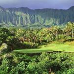 #12 Par 3 Royal Hawaiian Golf Club Koolau mountains in background.