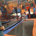 Photo de Sky Zone Indoor Trampoline Park