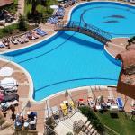 deel zwembad vanaf balkon 304