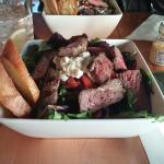 Compilation Salad with Steak