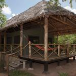 Mi cabaña. Rodeada de naturaleza pero sin bichos, fresca, cómoda y a 100 metros del lodge centra