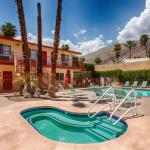 Photo de Knights Inn Palm Springs