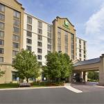 Holiday Inn Hotel and Suites Chicago Northwest