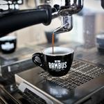 káva pražená v lokálnej pražiarni