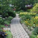 The Mount Vernon Inn Courtyard Garden