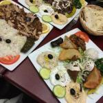 Assiettes de mezzes pour découverte gustative