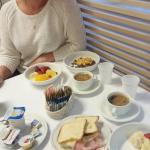 Завтрак в ресторане.