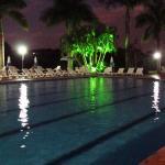 Hotel Peninsula Photo