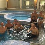 Con los amigos de travesia en la piscina del hotel Malargue