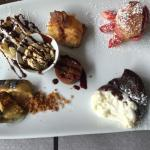Café gourmand,farandole de desserts,salade du Périgord