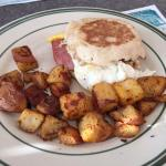 Egg sandwich with home fries