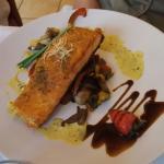 Riquisimo salmón con verduras