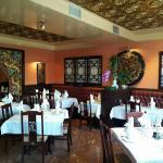 Photo de l intérieur du restaurant et sa belle terrasse