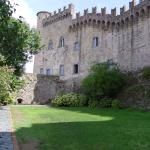 Il giardino del castello di giorno