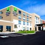 ‪Holiday Inn Express & Suites Oswego‬