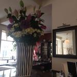 Immer ein frischer Strauss Blumen erfreut alle Gäste