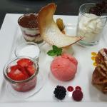 EigenArt Nascherei: ErdbeerTiramisu , BioErdbeerEis , ErdbeerStrudel , gefülltes ErdbeerPanna Co