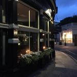 Vue extérieur du restaurant lumière tamisée ! Ambiance cosy ! So perfect !