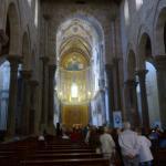 Kirchenschiff war der ursprüngliche Tempel, Altaranbau kam später