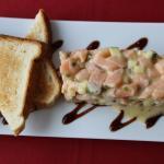 Le tartare de saumon (excellent)