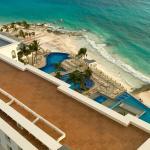 Pool - Hotel Riu Cancun Photo