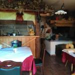 Kmečka soba - lovely old style room with oven and bar