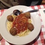 spaghettini & meatballs