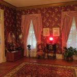 Front entrance into the parlor. Benefield House B&B