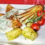 Zanderfilet mit Gemüse und Butterkartoffeln