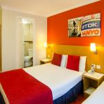 Rooms at Comfort Inn Westminster