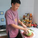 making pomelo salad