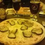 Pizza isterica (bianca), birra tedesca scura doppio malto