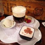 Irish Coffee Gourmand ( Irish coffe, boule de glace, banoffee, salade de fruits)
