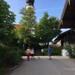 Hotel Hauptgaus - daneben das Schloss Gymnasium