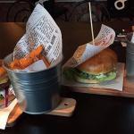 Smak en av våre hamburgere