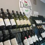 The Darling Wine Shop Foto