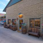 Rustic Inn Foto