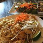 Pad Thai & Fresh Spring Rolls